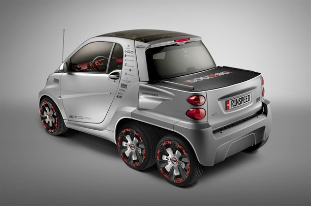 smart fortwo ed with two extra wheels by rinspeed a mercedes benz fan blog. Black Bedroom Furniture Sets. Home Design Ideas