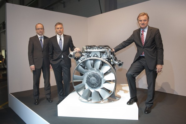 12A1280 597x397 Mercedes Introduces New Medium Duty Engines