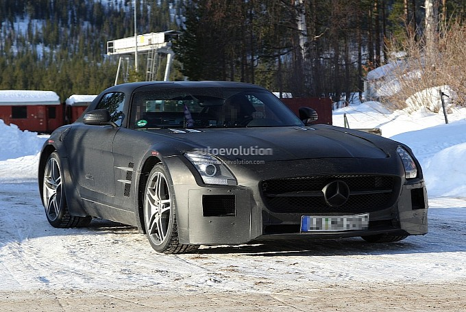Spyshots of the Mercedes SLS Black Series