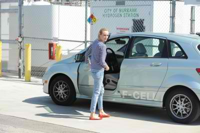 Mercedes B-Class Electonic Drive Attracts Hollywood Stars3