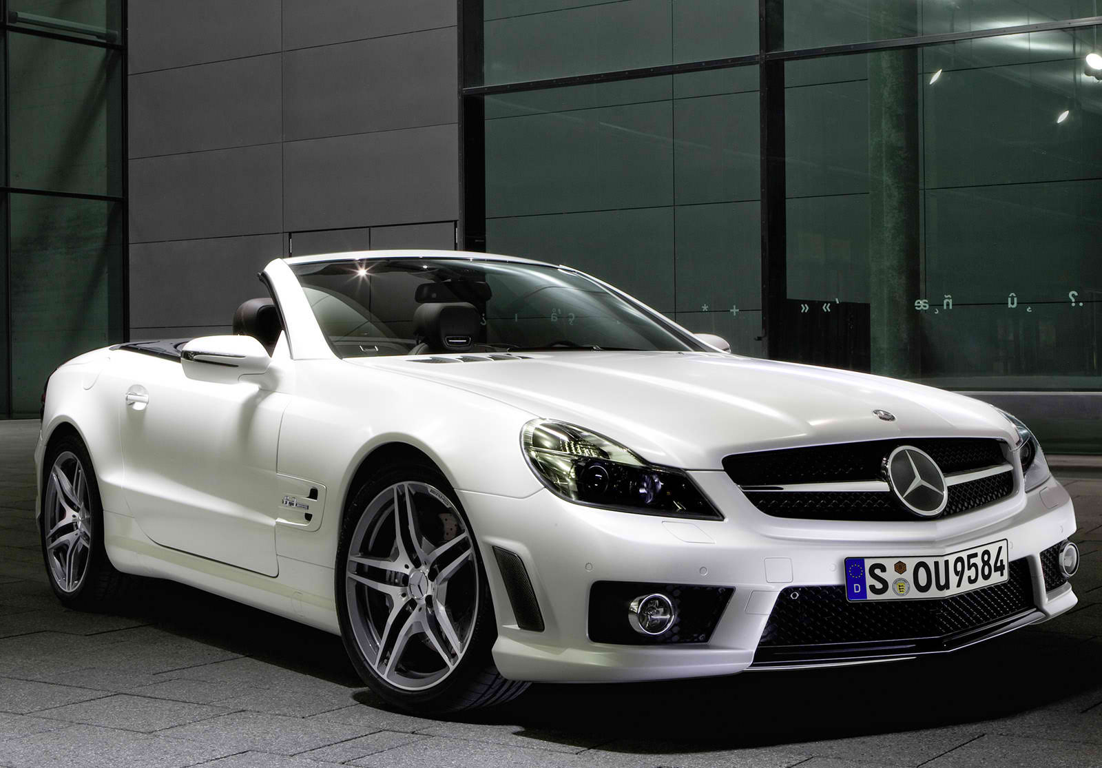 What the Management says About Mercedes Benz SL63 AMG What the Merc Managers says About Mercedes Benz SL63 AMG