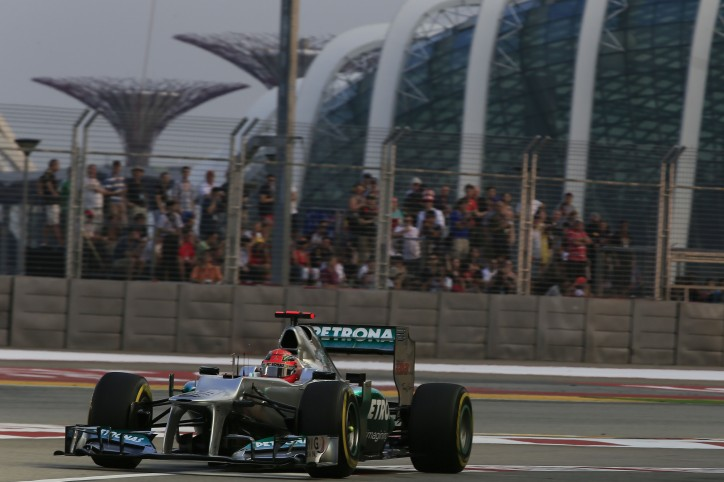 14F1GPSingapore5141 724x482 F1: Schumacher 9th, Rosberg 10th on Grid in Singapore GP