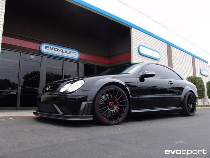 evosport clk63bs amg s012 724x543 CLK63 Black Series Finds Itself At The Ring