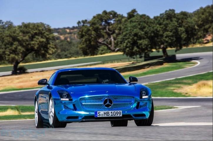 sls amg electric drive 724x481 Mercedes Benz Reveal Electric AMG SLS