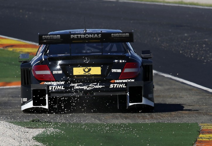 Gary Paffett DTM 2012 Mercedes Benz 724x500 DTM 2012: Paffett Retires at Valencia, Keeps Lead Heading into Last Race