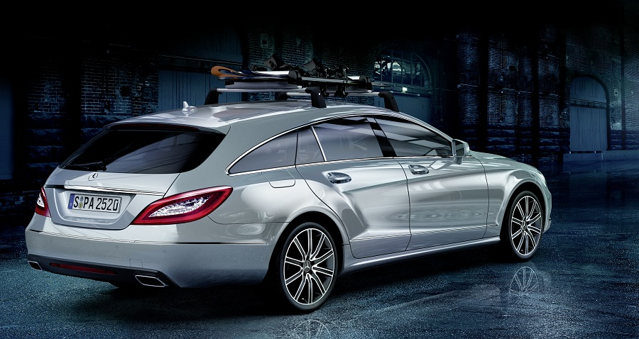 Mercedes benz unveils genuine accessories for cls shooting for Mercedes benz roof box