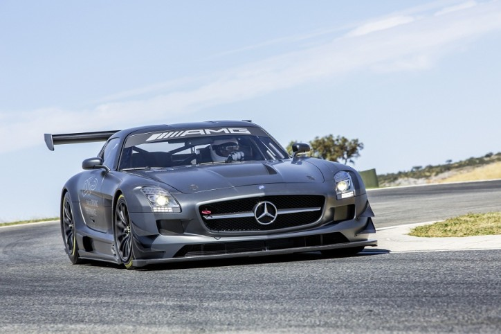 "Mercedes Benz SLS AMG GT3 45th ANNIVERSARY 001 724x482 Mercedes Benz Outs Exclusive SLS AMG GT3 ""45th ANNIVERSARY"""
