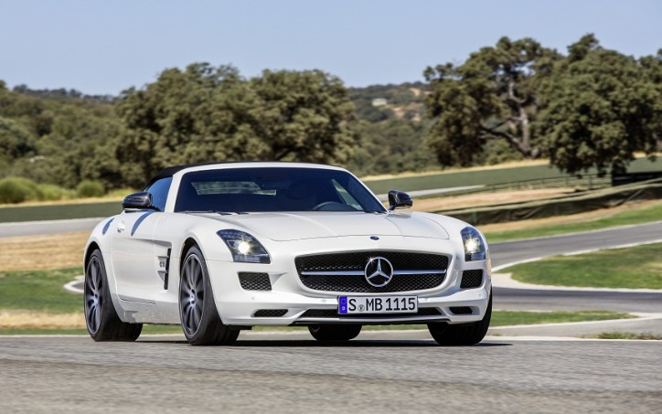 New SLS AMG GT 724x453 New Mercedes Benz SLS AMG GT Now in Showrooms