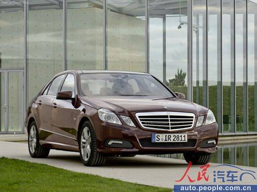F201208220917341612220507 Mercedes China Sales Dip For October