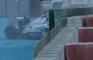 Rosberg_Crash_Abu_Dhabi_Grand_Prix