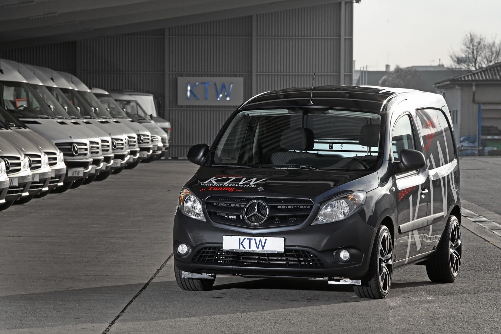 Mercedes benz citan gets an enhanced look benzinsider for Mercedes benz tune up cost