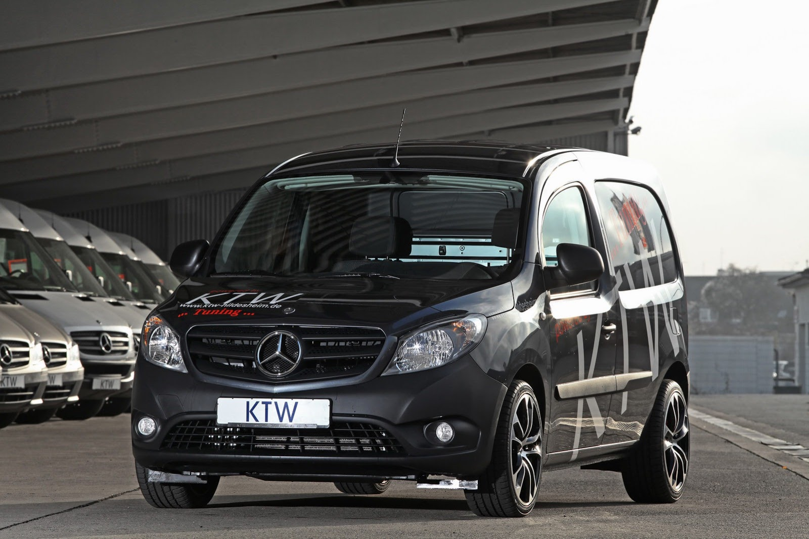 Mercedes Citan Van 22 Mercedes Benz Citan Gets an Enhanced Look