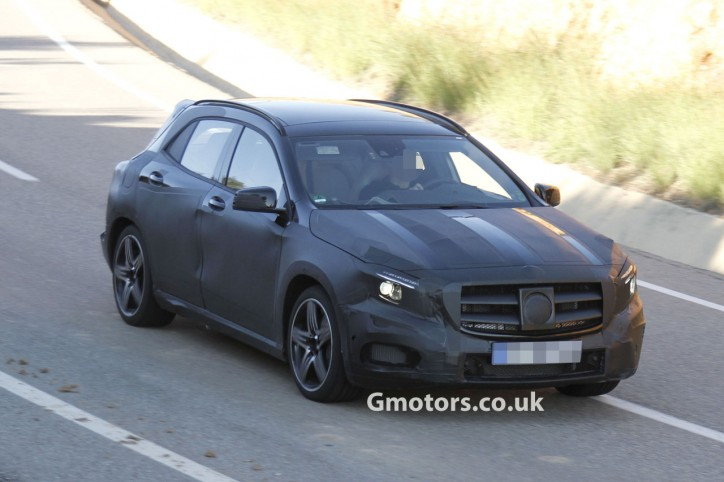 SPY2015MercedesBenzGLA45AMG10 1 724x482 GLA45 AMG Spyshots Make It Online