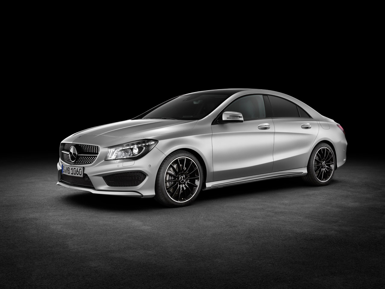 Offiicial 2014 mercedes benz cla class revealed for The latest mercedes benz