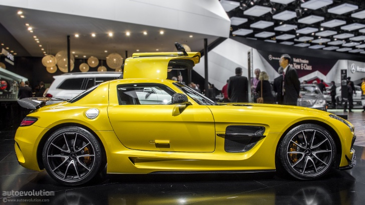 17 Mercedes Benz SLS AMG Black Series Displayed At The 2013 NAIAS