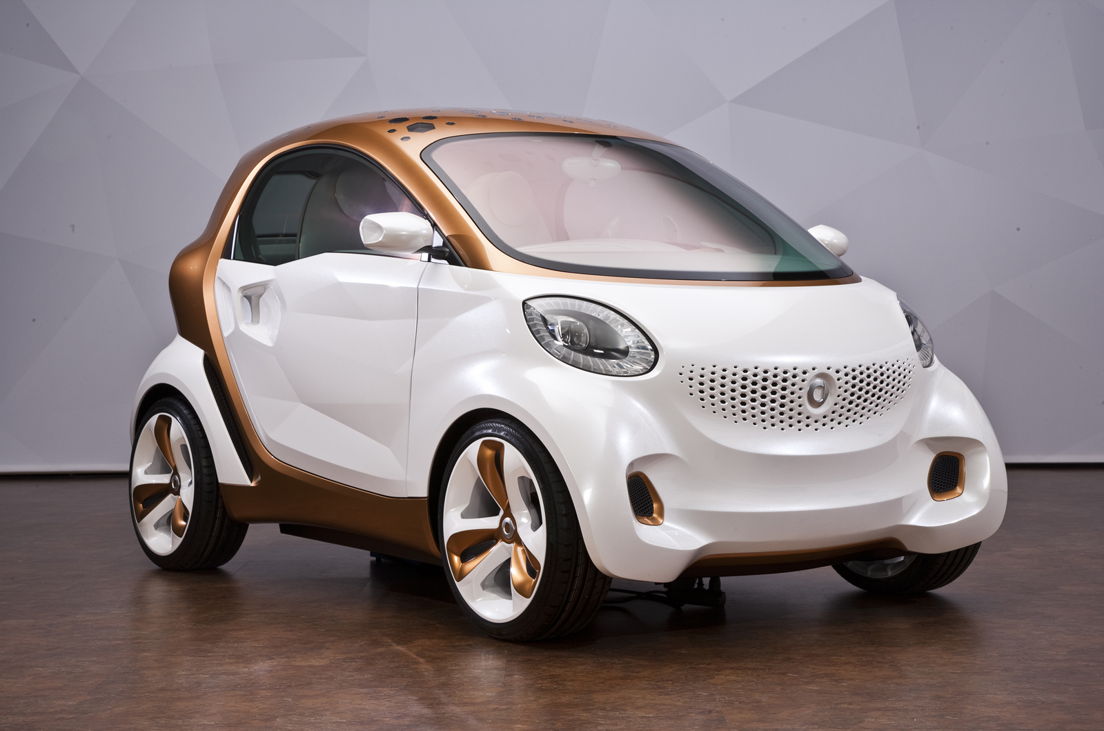 Enhancements set for new smart fortwo for Smart car mercedes benz