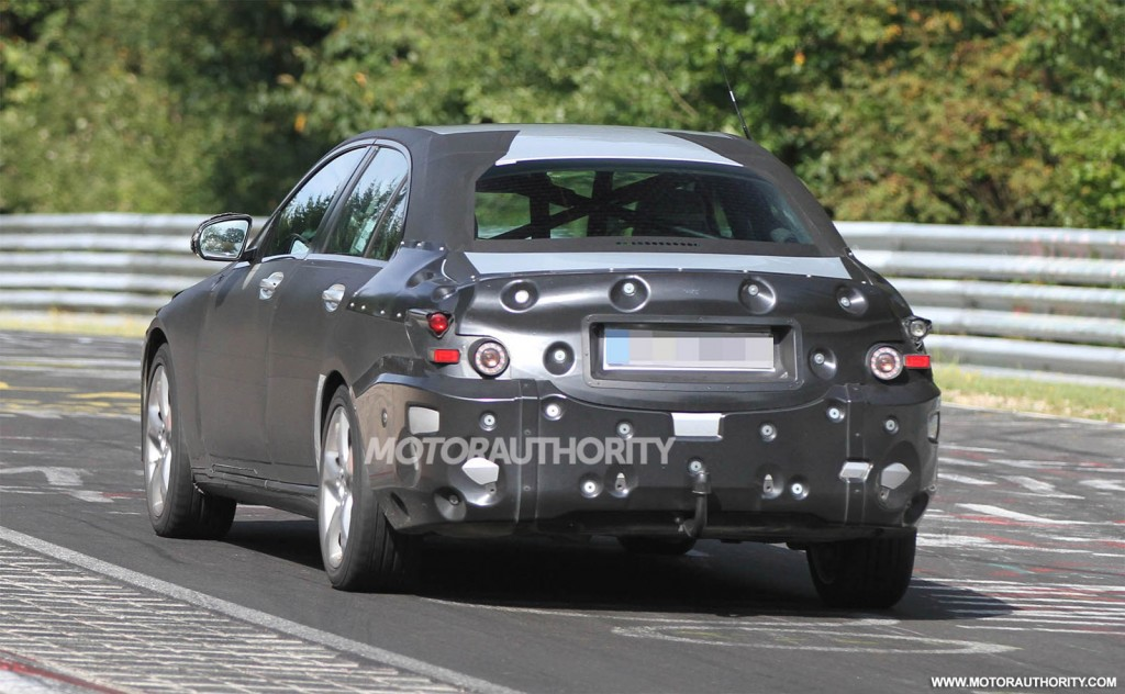 2015-mercedes-benz-c-class-spy-shots_100399705_l