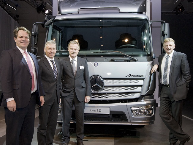 Euro VI Mercedes Benz Atego Truck Euro VI compliant Mercedes Benz Atego Truck Makes Debut