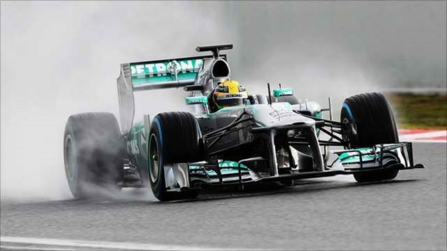 Mercedes AMG Petronas F1 Australian Grand Prix 2013 F1: Australian GP Qualifying Postponed Due to Rain; Rosberg Paces Q1