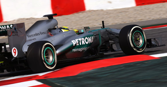 silver arrow Mercedes Tops The Ranking During The F1 Test