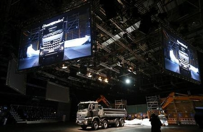 truck Low Sales Of Trucks And Buses Forecasted By Daimler This First Quarter