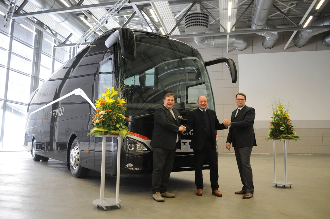 113 Di Fonzo Receives Latest Setra Touring Coach