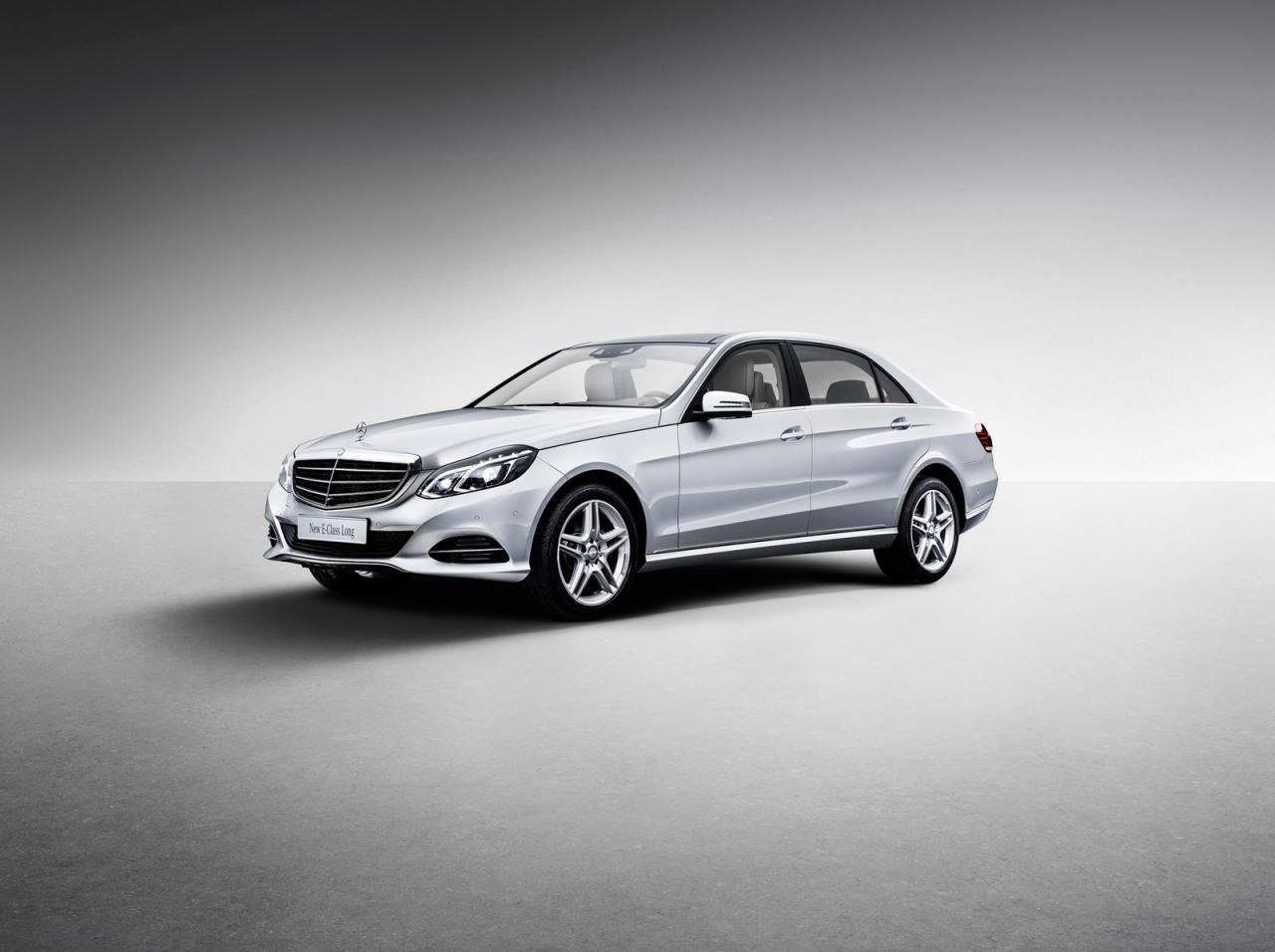 1750806151662354364 The New Mercedes Benz E Class L Highlighted In Shanghai