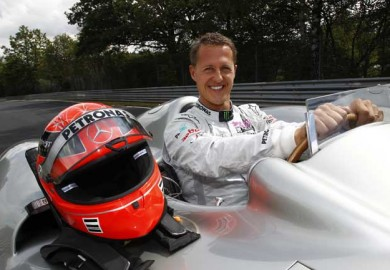 Michael-Schumacher-to-Drive-2011-F1-Car-at-Nurburgring-for-Mercedes-Benz