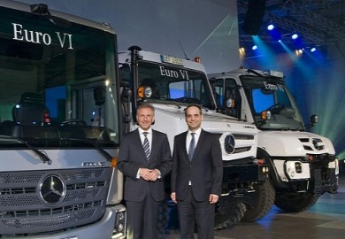 mercedes-benz-pulls-off-wraps-over-the-unimog-and-econic-medium_1