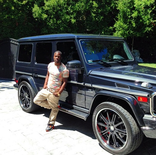 kevin hart buys a mercedes g63 amg video 59719 1 Kevin Hart Acquires A Mercedes Benz G63 AMG