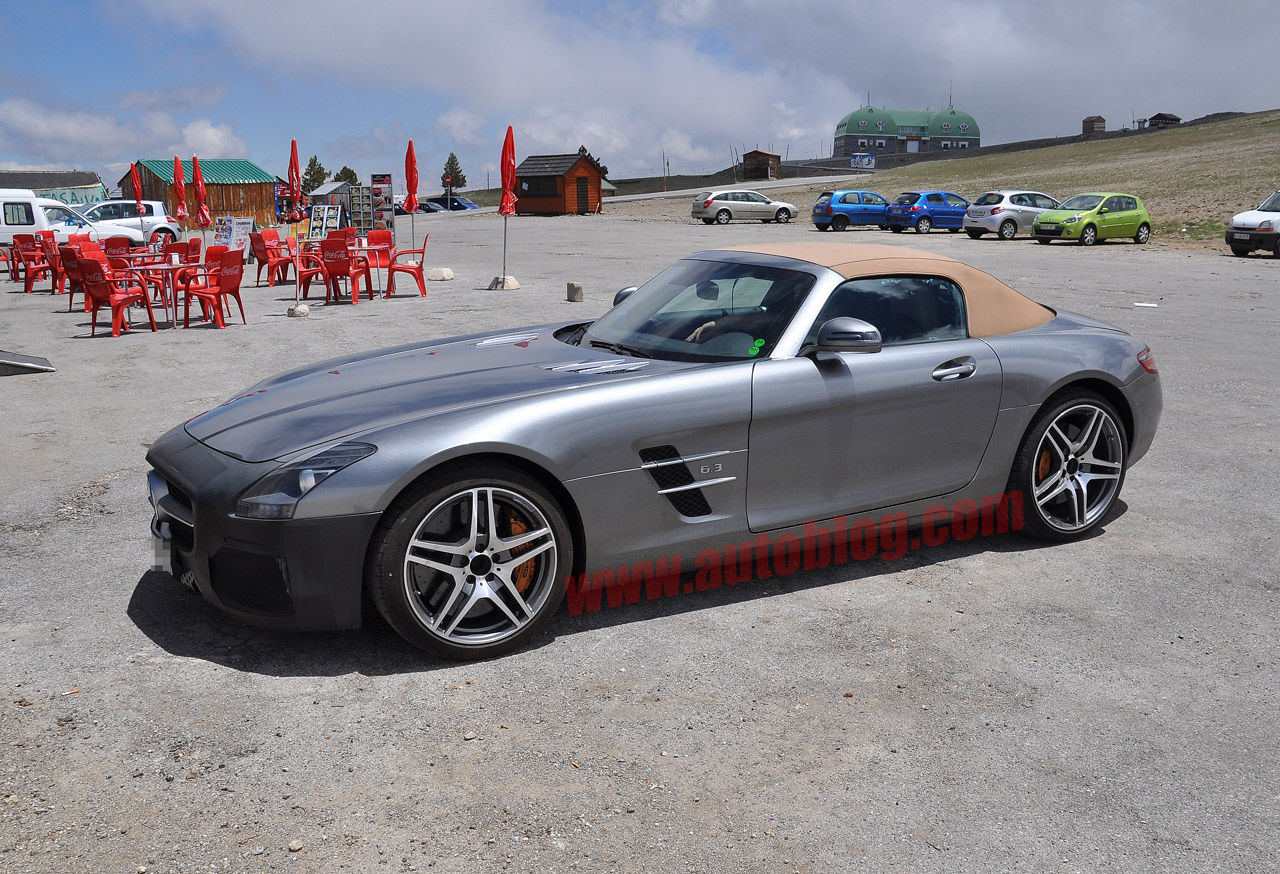 001 mercedes sls amg spy shots Mercedes Benz SLS AMG Spotted with a Couple of Changes