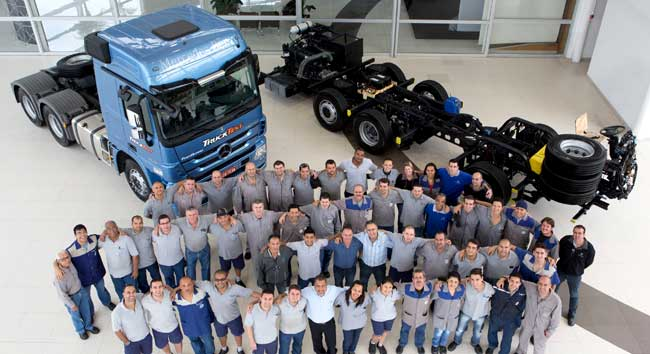Mercedes Benz Brazil Reaches 2 Million Milestone for Commercial Vehicles Mercedes Benz do Brasil Reaches 2 Million Unit Milestone for Commercial Vehicle Production