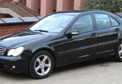 Mercedes-Benz_C180_Kompressor_(W203)