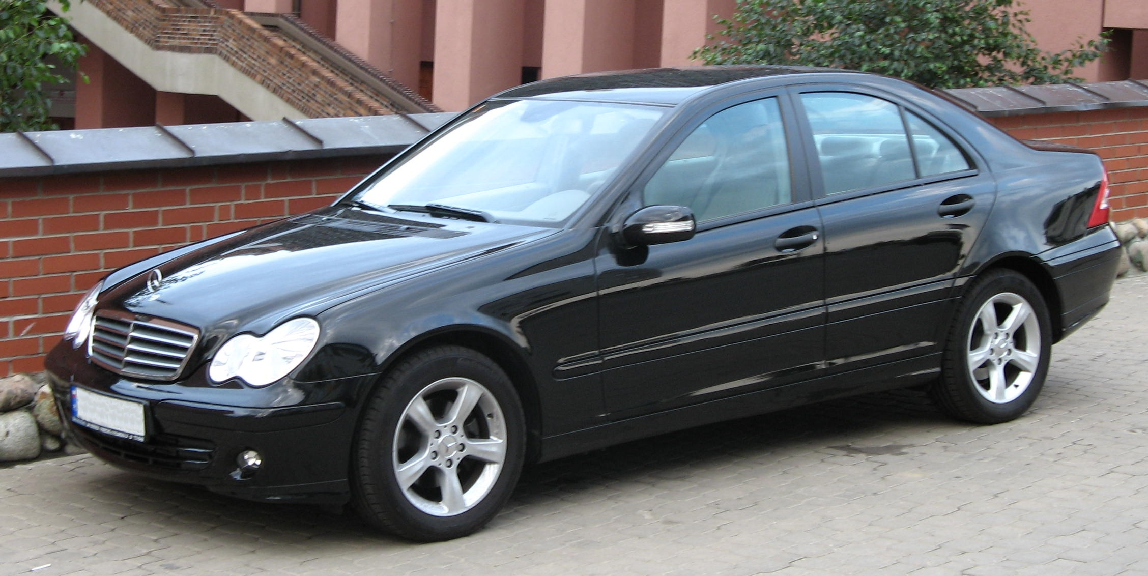Mercedes Benz C180 Kompressor W203 Two Mercedes Benz Kompressor Thieves Caught Red Handed