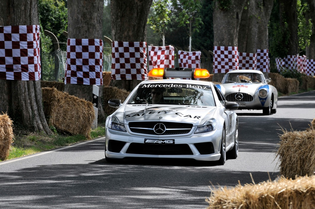 104 Mercedes Benz S Class Coming To The Schloss Dyck Classic Days