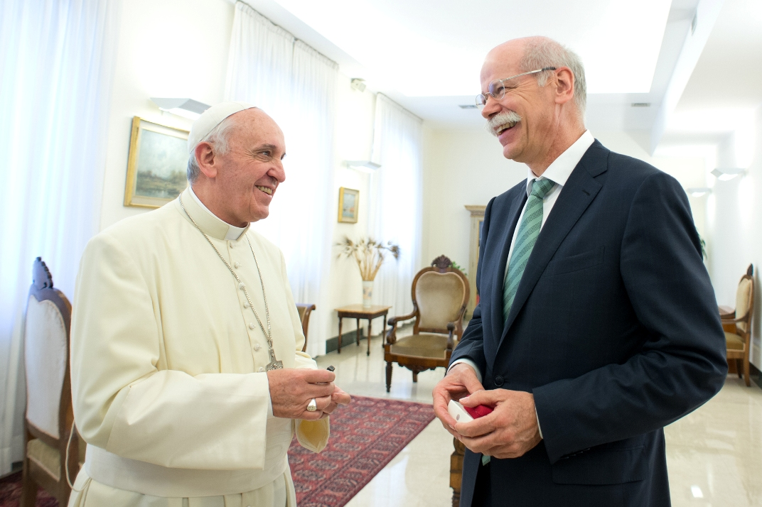 15 Dr. Dieter Zetsche Hands Over Popemobile Keys To Pope Francis