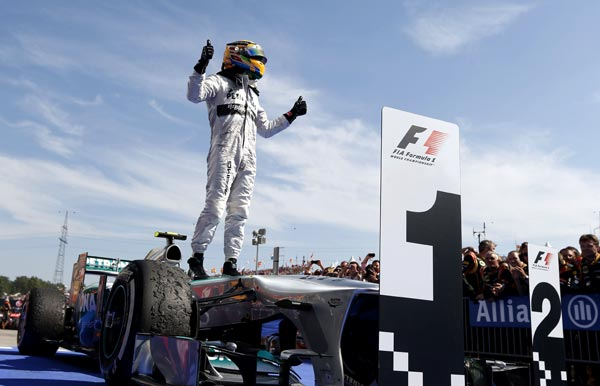 Lewis Hamilton Wins 2013 F1 Hungarian Grand Prix [F1] Hamilton Happy to Get Win, Rosberg Remains Upbeat