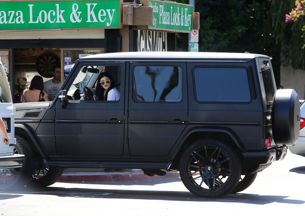 725 pixels kylie jenner takes her mercedes benz g class suv out
