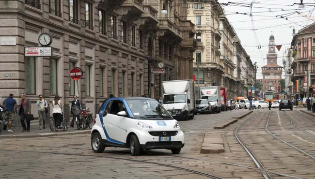 smart car2go Milan Smart Car Sharing: Milan Gets car2go Service