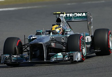 Lewis-Hamilton_Mercedes-AMG-Petronas-2013-Korean-Grand-Prix