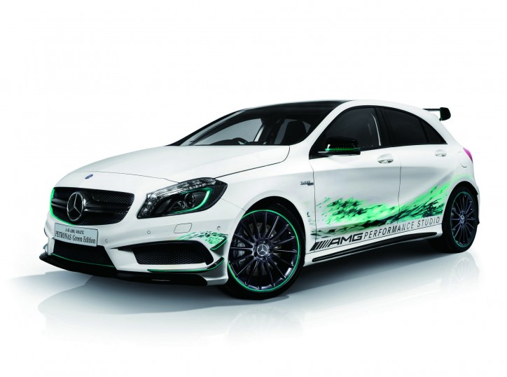 Mercedes A 45 AMG Petronas Green Edition