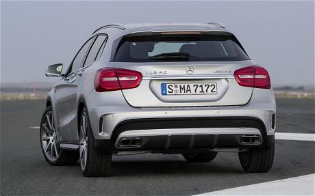 Mercedes GLA 45 AMG 2