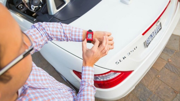pebble smartwatch and mercedes