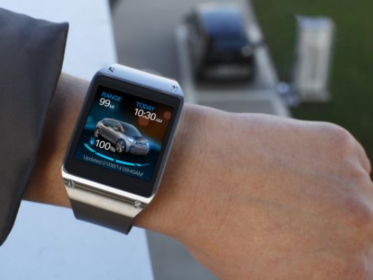 smartwatch BMW Counters Mercedes Pebble Smartwatch Integration
