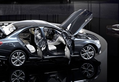 Mercedes-Benz-C-Class-miniature-model