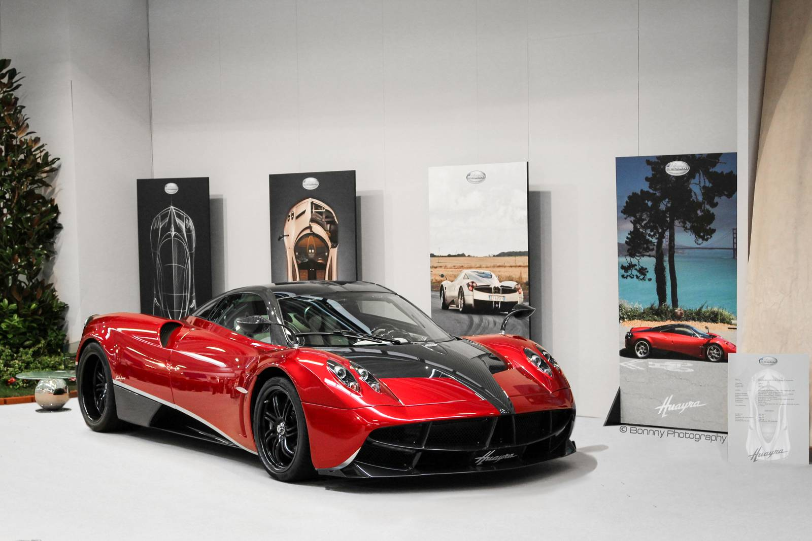 pagani huayra in transformers 4 2 a mercedes benz fan blog. Black Bedroom Furniture Sets. Home Design Ideas