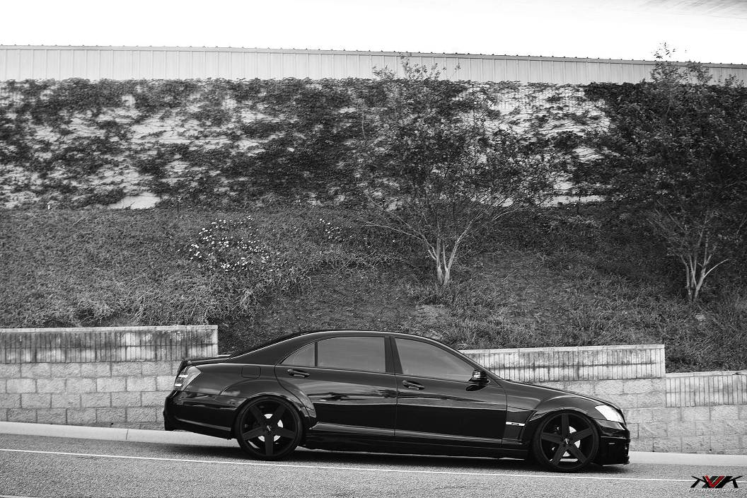 Brabus tunes 2010 mercedes benz s550 a for Mercedes benz costa mesa
