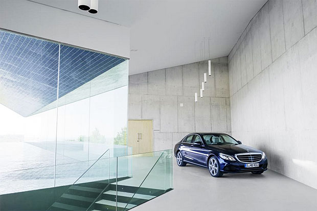 Mercedes Benz C Class Is Daimler spinning off its Mercedes Benz dealerships?