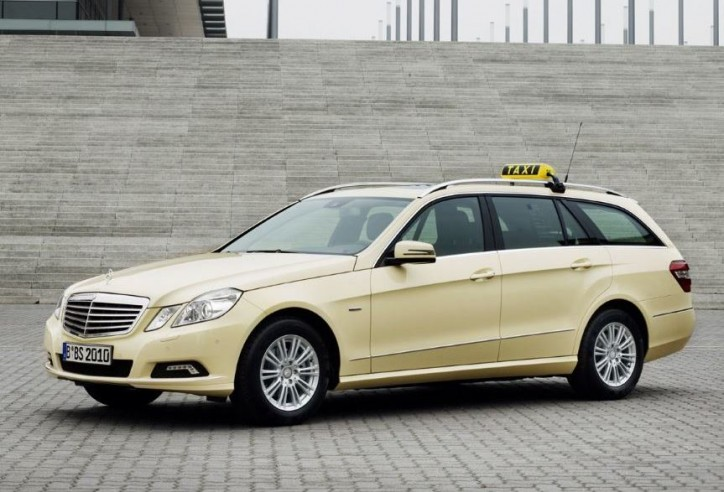 Mercedes Benz E 200 NGT taxi best award May2011 724x492 How to Market Your Taxi