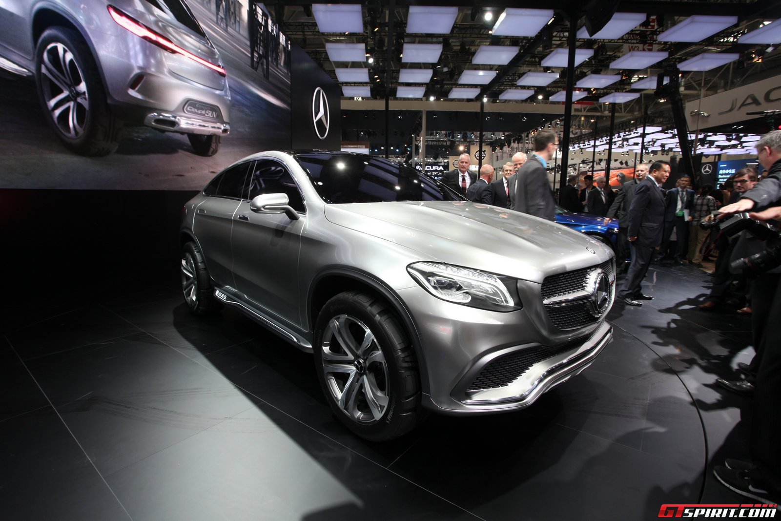 Mercedes benz considers separate suv line benzinsider for Mercedes benz suv coupe